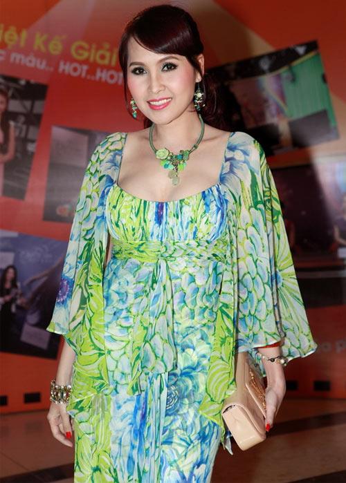 Rối mắt với váy áo rườm rà của sao Việt - 15