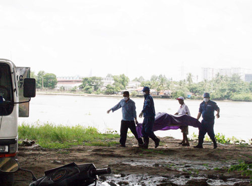 Phát hiện xác chết trôi trên sông Sài Gòn - 1