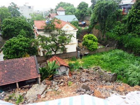 Quảng Ninh: Mưa xối xả, kéo sập nhiều nhà dân - 5