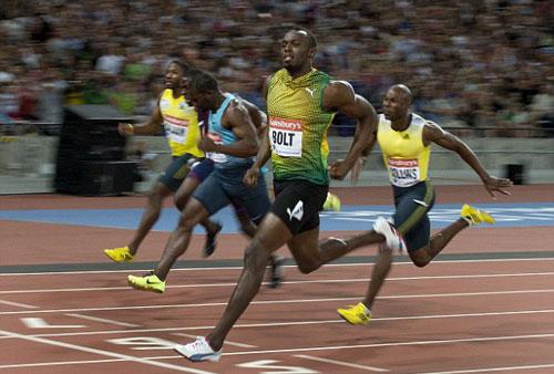 """Usain Bolt lấy lại hình ảnh """"tia chớp"""" - 1"""