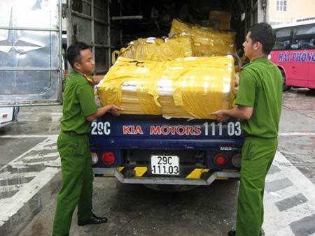 700kg cá trắm lậu gắn chữ TQ trên bao bì - 2
