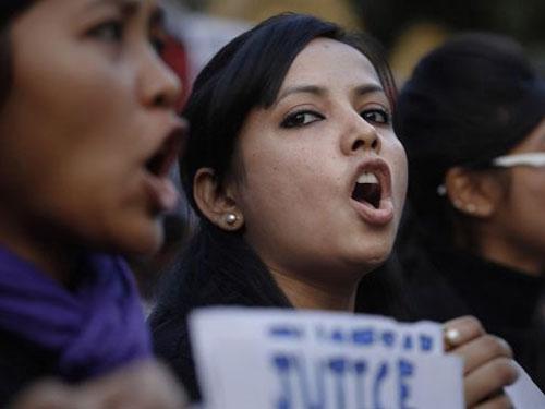 Ấn Độ: Thêm bé gái bị hiếp dâm, bóp cổ chết - 1