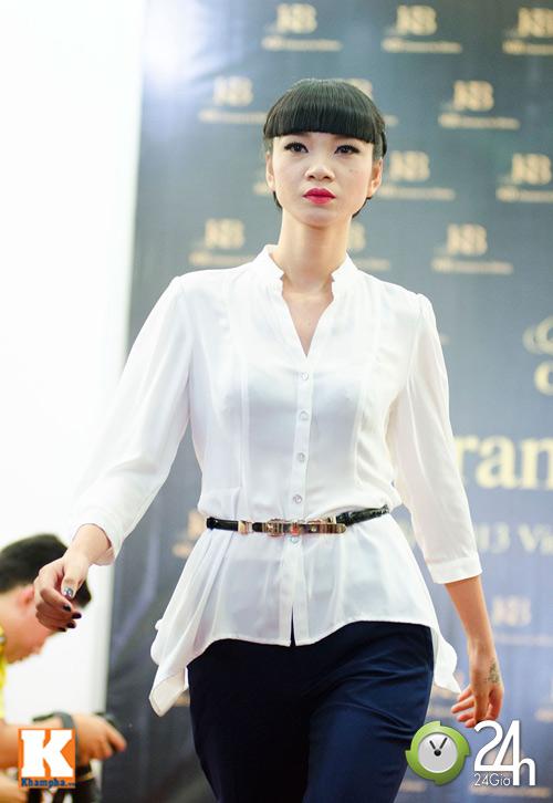 Hoa hậu Ngọc Hân xinh đẹp bất ngờ - 9