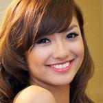 Làm đẹp - Mê mệt với nụ cười má lúm của Hồng Quế