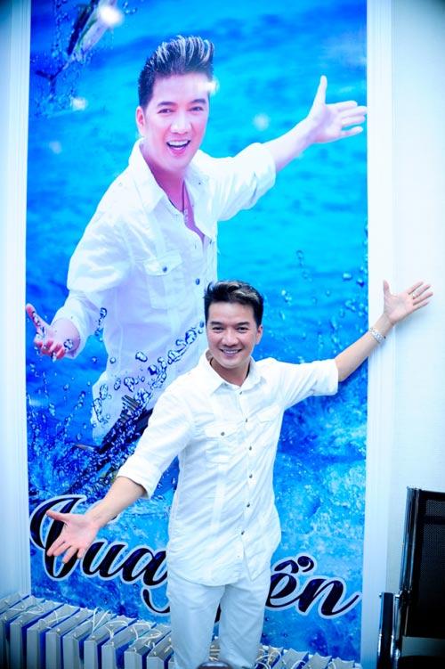 Mr. Đàm bất ngờ... đi bán cá, Ca nhạc - MTV, Dam Vinh Hung, Mr Dam, ban ca, vua bien, kinh doanh, ong hoang nhac Viet, HLV The Voice, ngoi sao, ca nhac vn, tin tuc
