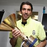 Juventus gặp khó đầu mùa giải mới