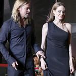 Phim - Brad Pitt nắm tay vợ như sợ mất