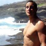 Kỹ năng sống: Một mình trên hoang đảo