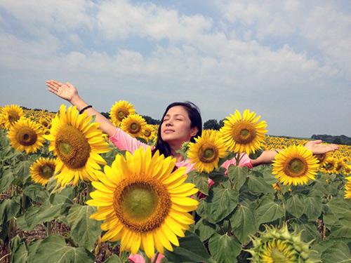 Việt Trinh tươi như hoa ở trời Âu, Phim, viet trinh, viet trinh di chau au, bien kich chau tho, tro ve 1, tro ve 2, vo cua chong toi, dien vien, dao dien, ngoi sao, bao ngoi sao, phim hay, phim moi, xem phim