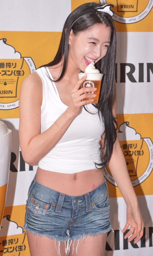 Người đẹp Hàn khóc òa vì bị chê phản cảm - 14