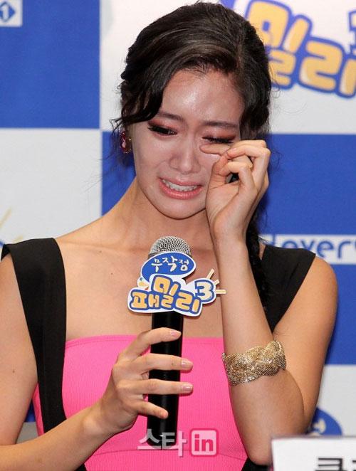 Người đẹp Hàn khóc òa vì bị chê phản cảm - 6