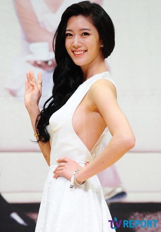 Người đẹp Hàn khóc òa vì bị chê phản cảm - 2