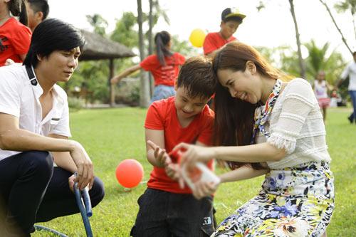 Vợ chồng Hồ Hoài Anh hát cùng thí sinh nhí - 3