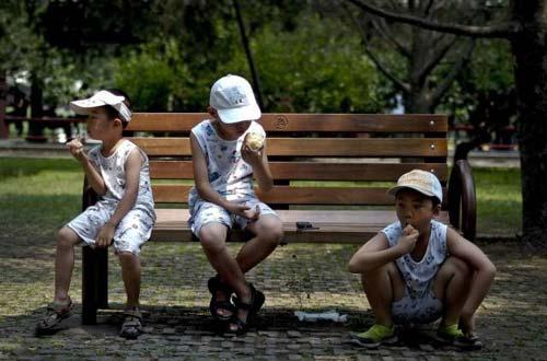 Dân TQ khốn khổ vì đợt nắng nóng lịch sử - 7