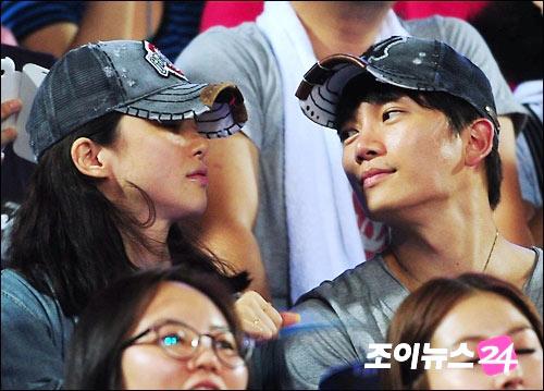 Lee Bo Young, Ji Sung tuyên bố kết hôn - 2