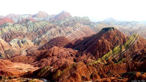 Sững sờ rặng núi lạ ở Trung Quốc - 4