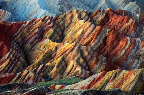 Sững sờ rặng núi lạ ở Trung Quốc - 1