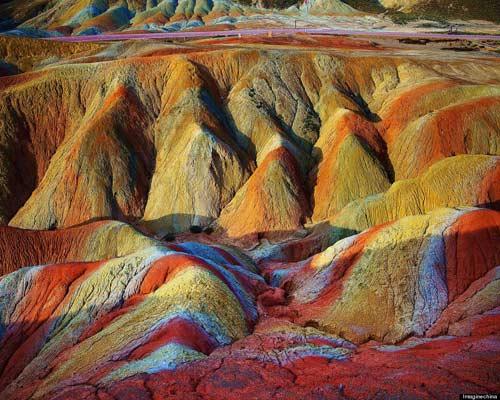 Sững sờ rặng núi lạ ở Trung Quốc - 9