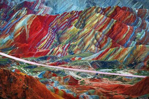Sững sờ rặng núi lạ ở Trung Quốc - 6