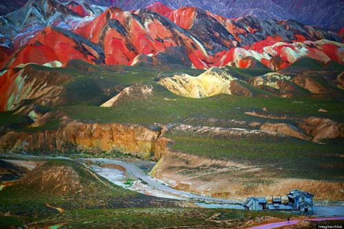 Sững sờ rặng núi lạ ở Trung Quốc - 5