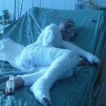 An ninh Xã hội - Tạt a xít cả nhà: Tính mạng bé gái bị đe dọa