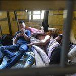 Tin tức trong ngày - 1.200 người Việt bị giữ ở Nga: Cảnh lều trại