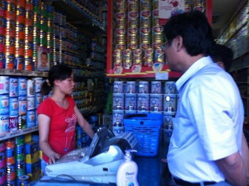 3.000 thùng sữa nghi nhiễm độc chưa thu hồi - 2