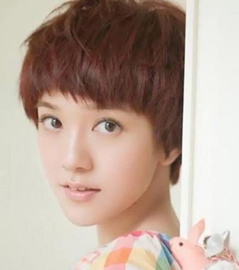Kiểu tóc ngắn xinh xắn cho nàng mặt bầu - 7