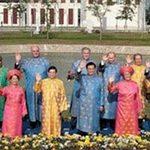 Tin tức trong ngày - Lễ phục Việt Nam: Ai mặc?