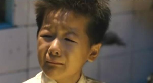 Video: Thương xót cậu bé mất cha - 2