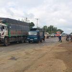 Tin tức trong ngày - Xe máy đấu đầu xe tải, 2 anh em tử vong