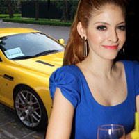 Andrea được bố tặng siêu xe bạc tỷ