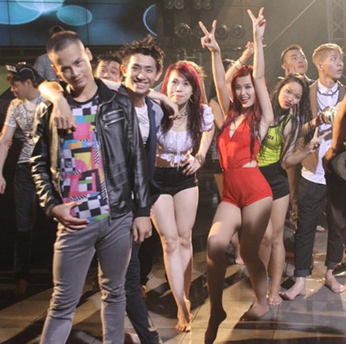 Đông Nhi gây choáng trong MV mới - 7