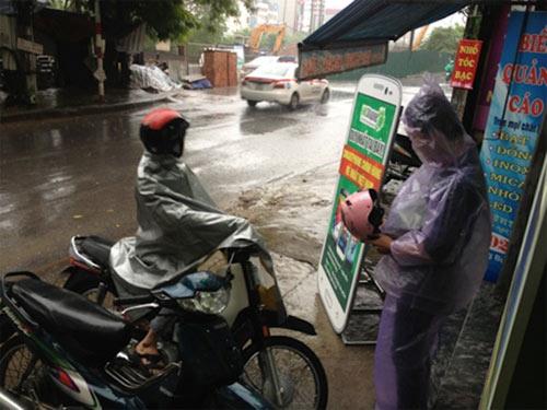 Đội bão đi mua điện thoại giá rẻ - 1