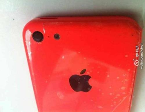 iPhone 5C thêm bản màu đỏ, giá 490 USD - 1