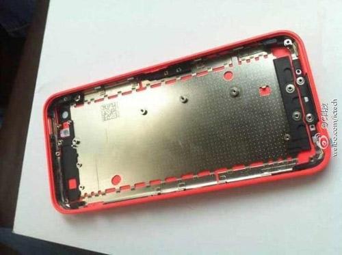 iPhone 5C thêm bản màu đỏ, giá 490 USD - 2