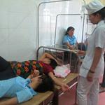Tin tức trong ngày - Hơn 70 công nhân nhập viện sau bữa cơm trưa