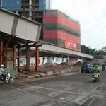 Tin tức trong ngày - Rơi dầm cầu vượt nhẹ tại Hà Nội