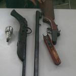 An ninh Xã hội - Bắt tạm giam 2 đối tượng sử dụng vũ khí trái phép