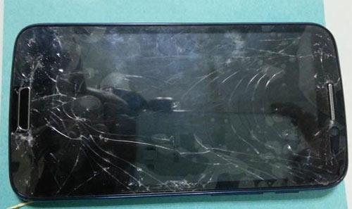 Điện thoại HKPhone có thật sự bền? - 5