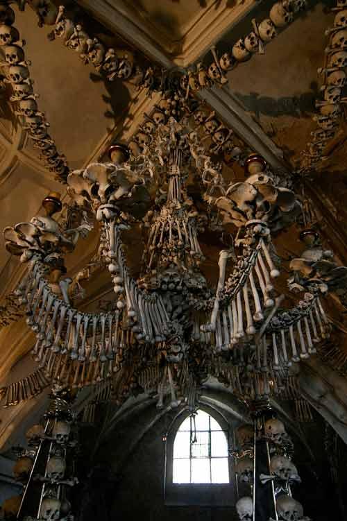 Rợn người nhà thờ bằng 70.000 bộ xương - 3