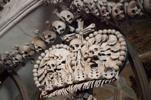 Rợn người nhà thờ bằng 70.000 bộ xương - 4