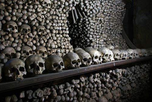 Rợn người nhà thờ bằng 70.000 bộ xương - 8