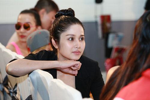 Mặt mộc thu hút của vợ Phan Thanh Bình - 2
