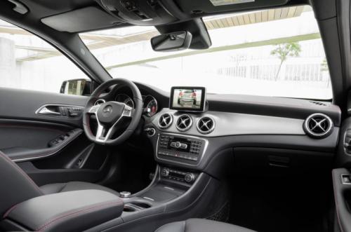Mercedes-Benz GLA 2014: 'Hoàng tử' SUV cỡ nhỏ - 9