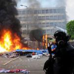 Tin tức trong ngày - Ai Cập: Thiết giáp cày nát khu trại biểu tình