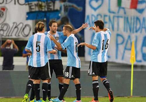 Italia – Argentina: Điểm sáng Higuain - 1