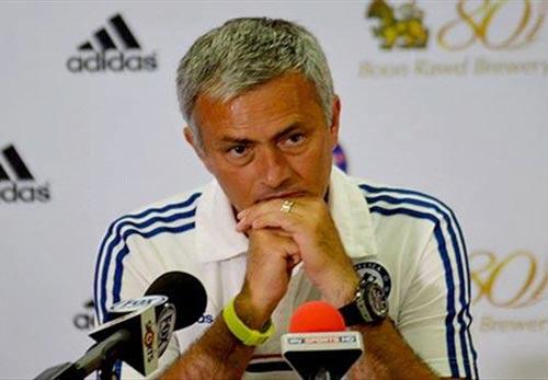 Mourinho chào đón Eto'o, cấm cửa Luiz - 1