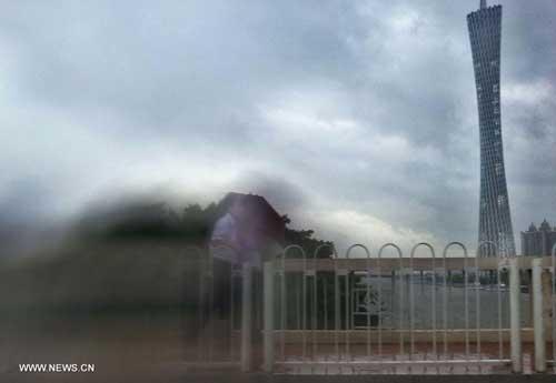 Chùm ảnh siêu bão Utor tàn phá Trung Quốc - 7