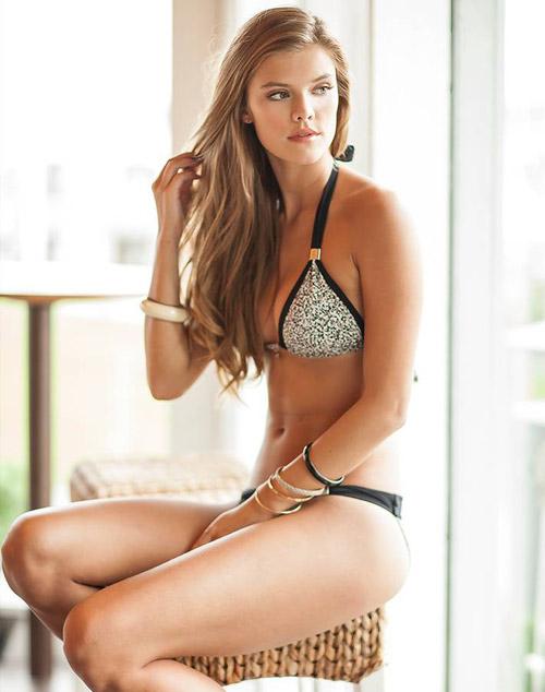 Bikini hai mảnh phô diễn nét đẹp phái nữ - 14